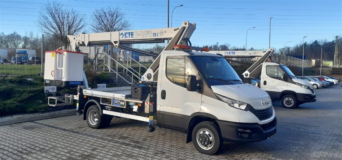 CTE B-LIFT 20 JHV zamontowany na bazie Iveco Daily.