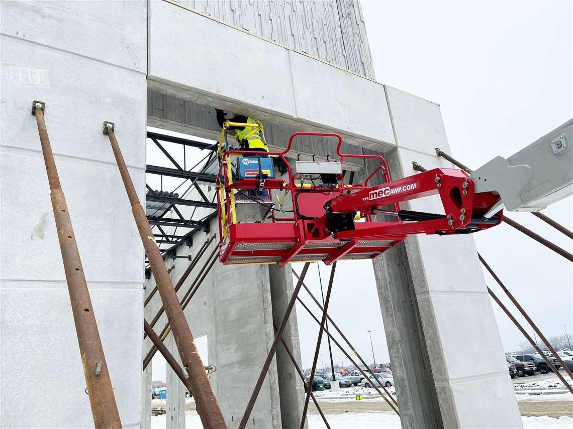 MEC Xtra-Deck for boom lifts